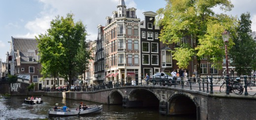 Canals-and-cool-buildings-in-Amsterdam