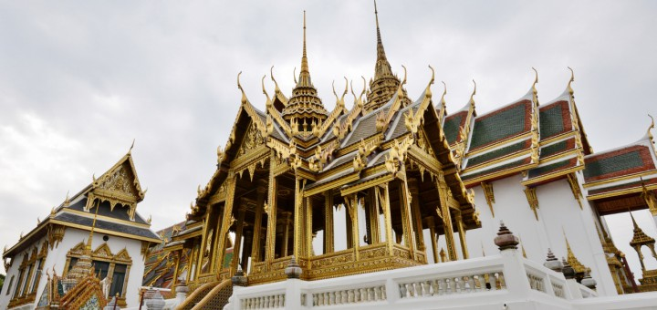 Monument-in-the-Grand-Palace-complex-Bangkok
