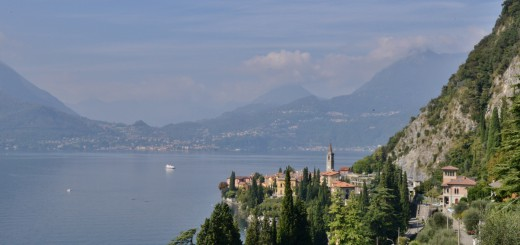 The-town-of-Varenna-Italy-and-a-lake-Como